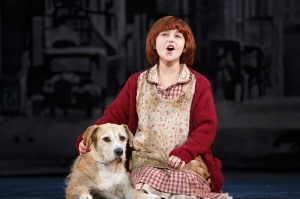 "Issie Swickle as Annie and Sunny as Sandy in ""Tomorrow"" Photo credit: Photo by Joan Marcus"